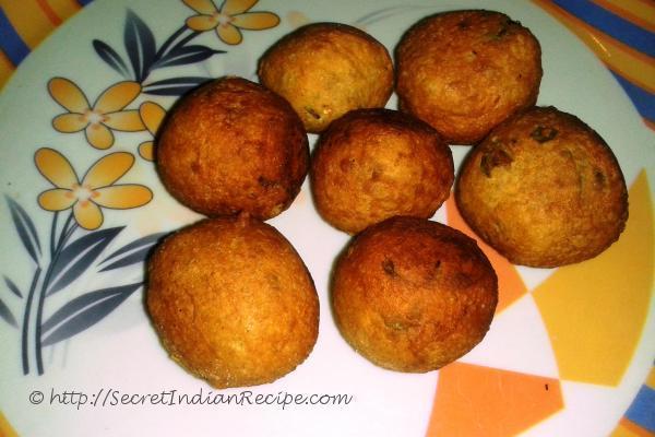 Bonda ( Fried besan flour  balls)