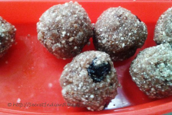 Malarunda (Puffed rice balls)