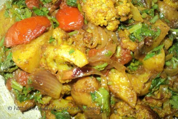 How to make Aloo gobi (potato and cauliflower curry) - Indian Recipes ...