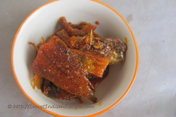 How to make onakkameen achar dry fish pickle indian for Pickled fish recipes