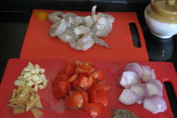 photo of goan prawn curry in a hurry