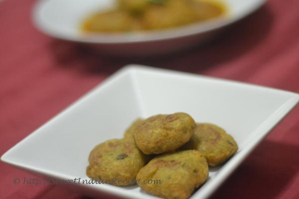 photo for Kele Aur Aloo Ki Tikki( Raw Banana and Potato snacks)