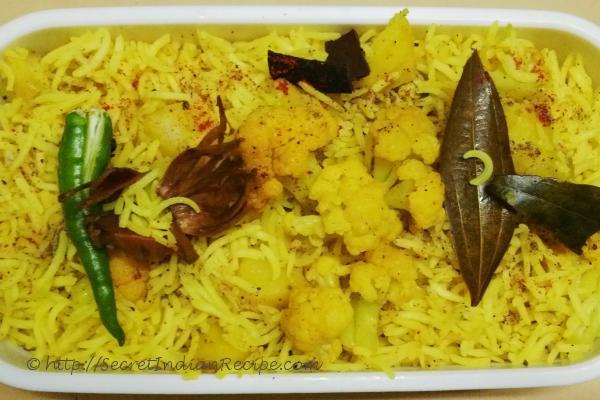 How to make aloo gobi ki tehri potato and cauliflower for Awadhi cuisine history