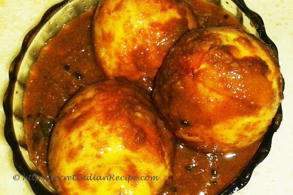 Mutta roast (Kerala style egg roast)
