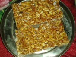 Kappalandi mittai (Peanut toffee or candy)