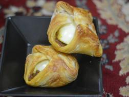 Picture of: Bangalore egg puffs