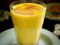 photo of golden mylk/turmeric latte