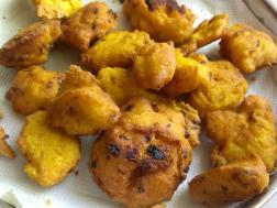 photo of how to make dal pakoda