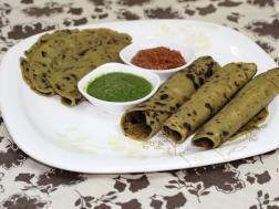 Vegetable thehla with Green chutney and Sundhanu