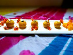 photo of mango malai ladoo