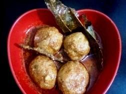 photo of kashmiri dum aloo