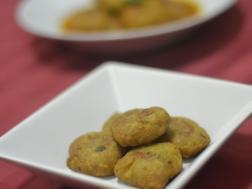 photo for Kele Aur Aloo Ki Tikki( Raw Banana and Potato snacks)