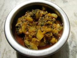 photo of radish and spinach curry