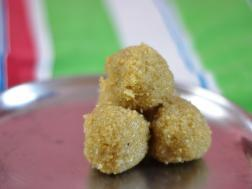 Photo of Nariyal ke ladoo ( Coconut Ladoos)