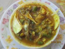photo of macha chechda (fish head mixed with vegetable curry)