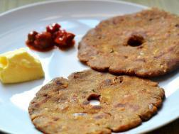 Picture of: Thalipeeth (A Marathi traditional flat bread recipe)