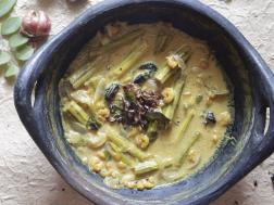 photo of chemmeen muringa manga curry (prawns cooked with drumsticks and raw mango)