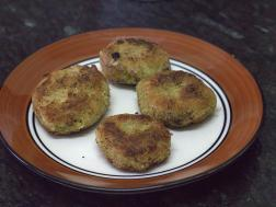 photo of broccoli tikki