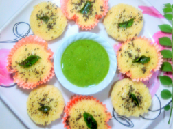 photo of Savory Oats-Rawa Cupcakes