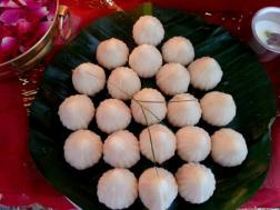 photo of ukdiche modak (steamed coconut dessert)