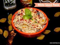 photo of white sauce in veggie pasta